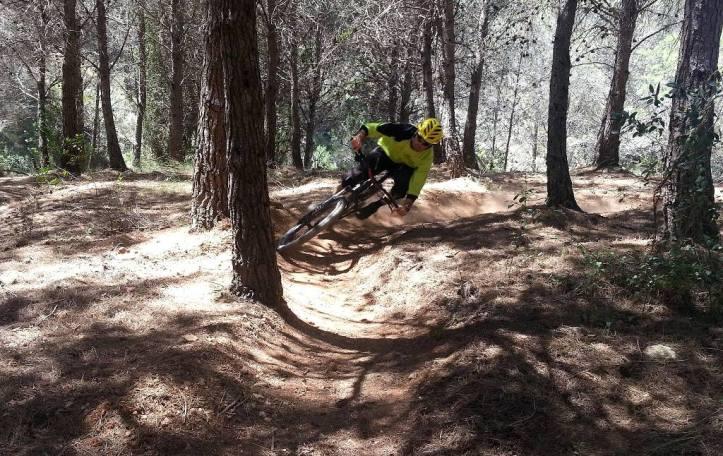 SaliboardsTarifa Bikes Shop  Rider Luis Garcia Casado