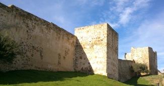 La Muralla de Tarifa, intacto