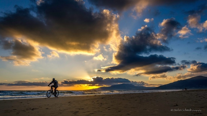 Sunset Biking on the beach of Tarifa. Photo Stefan Schmidt